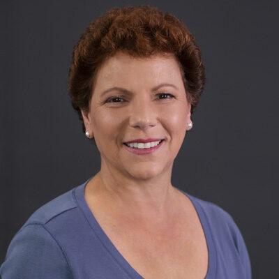 Chiropractor Norwich CT Lynn Carnaroli